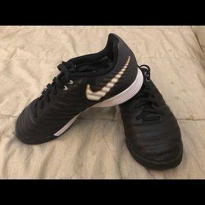 Kids Nike Tiempo X indoor Soccer shoes